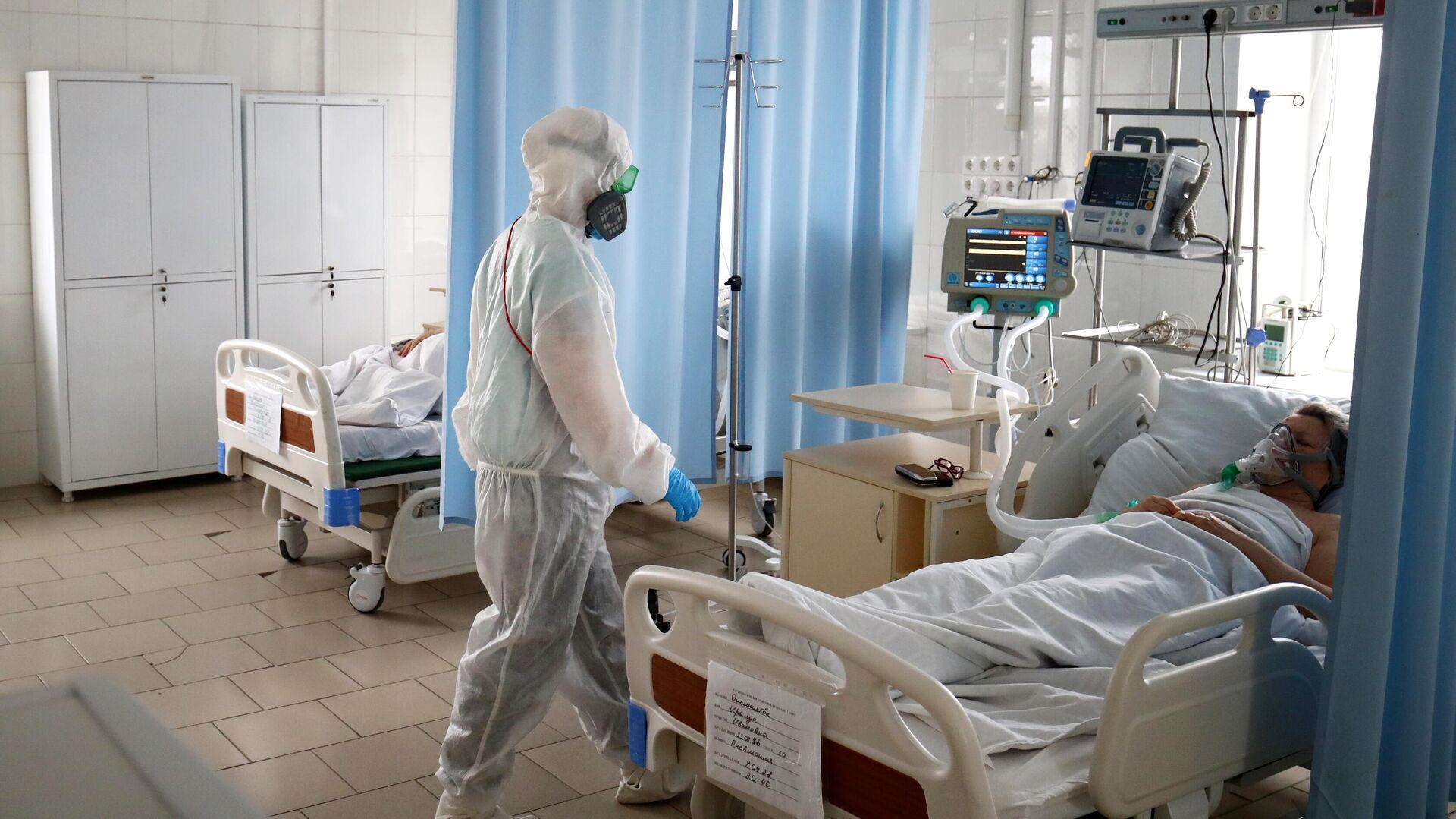 Медицинский работник в клинической больнице скорой медицинской помощи №7 в Волгограде - РИА Новости, 1920, 07.08.2021