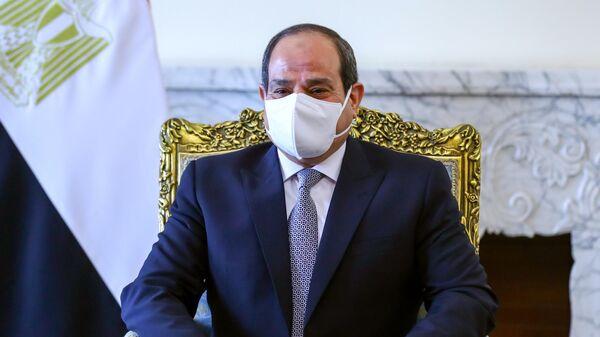 Президент Арабской Республики Египет Абдель Фаттах ас-Сиси во время встречи с министром иностранных дел РФ Сергеем Лавровым