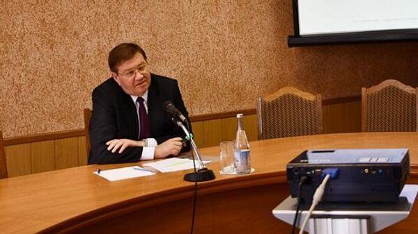 Глава администрации Аксайского района Виталий Борзенко