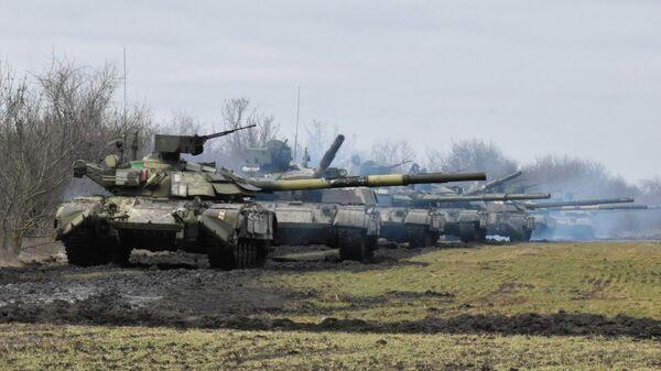 Учения украинских ВС вблизи границы с Крымом