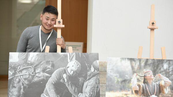 В Эрмитаже выставили работы фотографа Sputnik Кыргызстан Табылды Кадырбекова