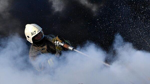 Сотрудник пожарной охраны МЧС РФ