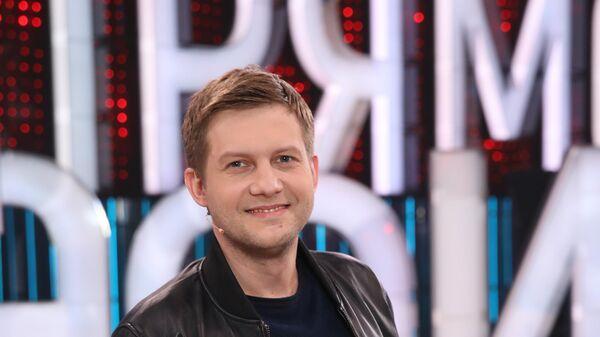 Экс-ведущий Прямого эфира Борис Корчевников на съемках юбилейного выпуска