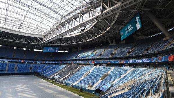 Футбольный стадион Газпром Арена в Санкт-Петербурге
