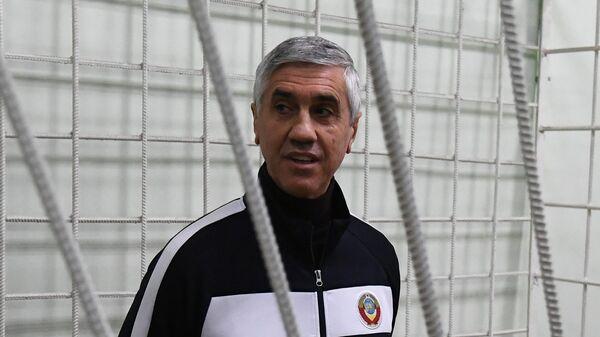 Бизнесмен Анатолий Быков, обвиняемый в  организации двойного убийства в 1994 году, во время судебного заседания в Красноярске