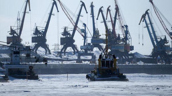 Морской порт в Дудинке