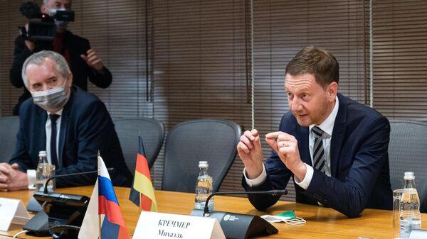 Премьер-министр федеральной земли Саксония Михаэль Кречмер во время визита в Москву