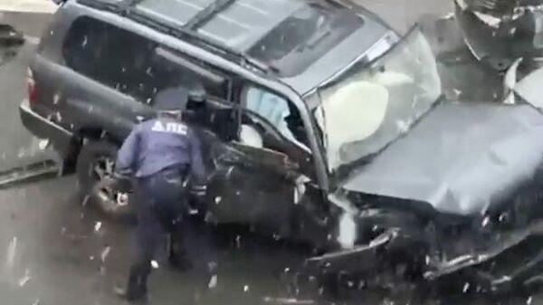 Смертельное ДТП: в Хабаровске пять машин попали в аварию