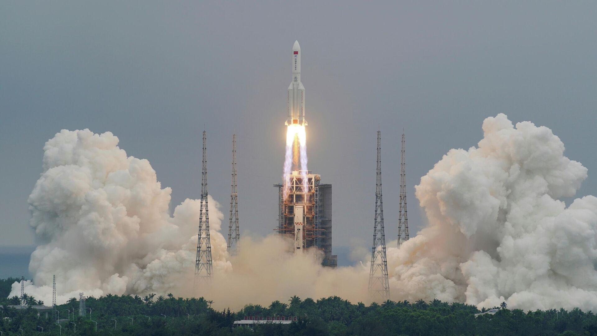 Ракета-носитель Чанчжэн-5B Y2 с модулем Тяньхэ стартовала с космодрома Вэньчан на китайском острове Хайнань - РИА Новости, 1920, 19.05.2021