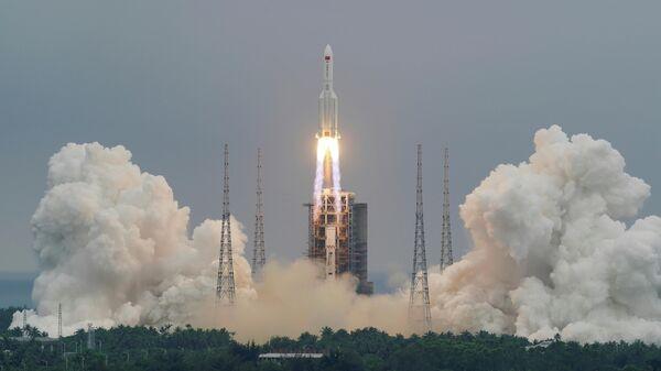 Ракета-носитель Чанчжэн-5B Y2 с модулем Тяньхэ стартовала с космодрома Вэньчан на китайском острове Хайнань