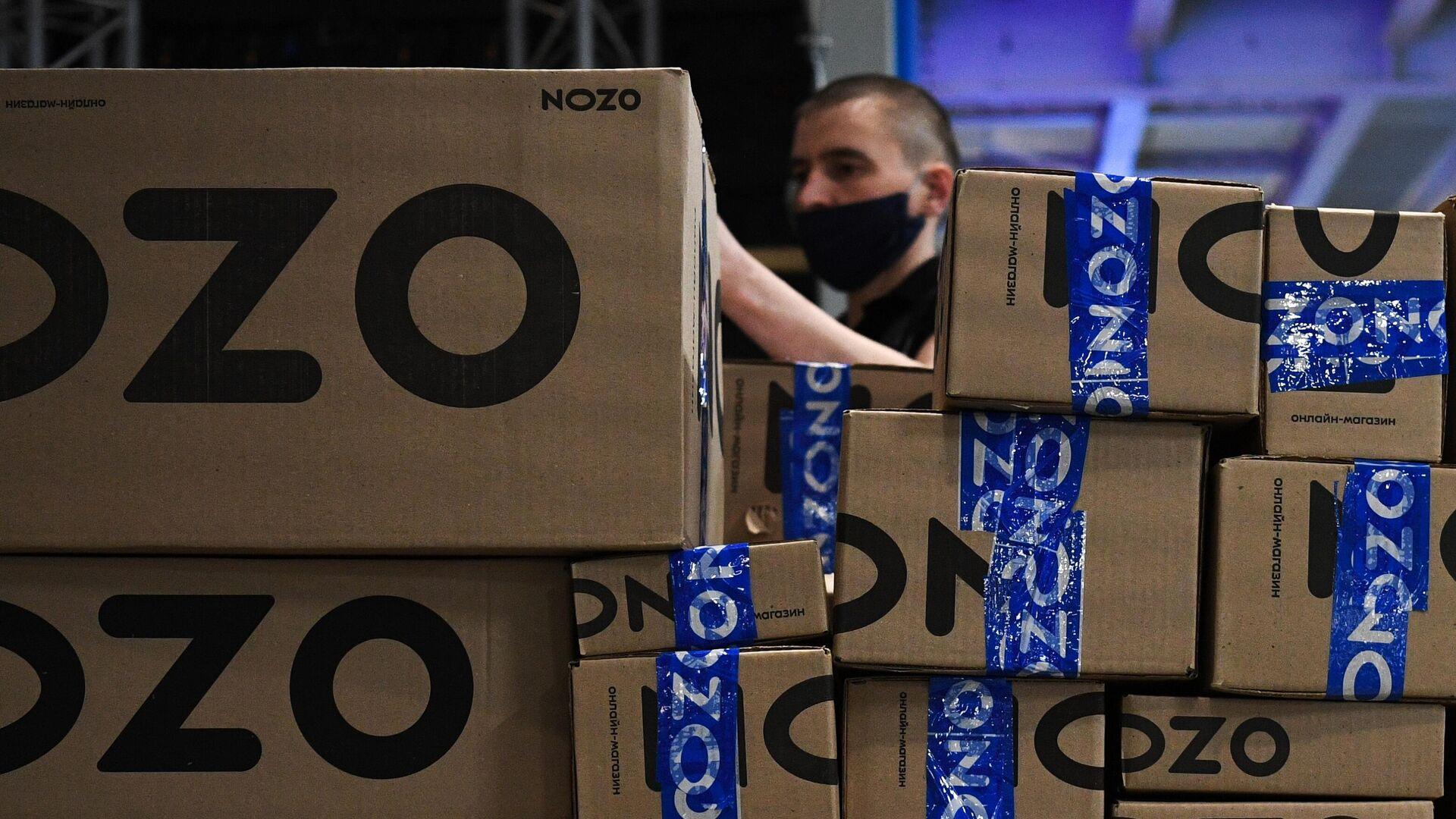 Сортировка интернет-заказов в логистическом центре Ozon - РИА Новости, 1920, 01.09.2021