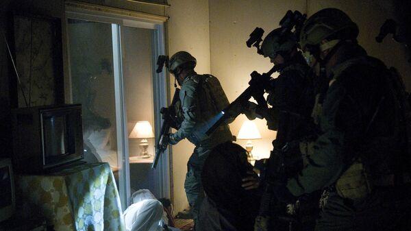 Кадр из фильма SEAL Team Six: The Killing of Osama bin Laden, показывающий ликвидацию Усамы бен Ладена во время операции Копье Нептуна