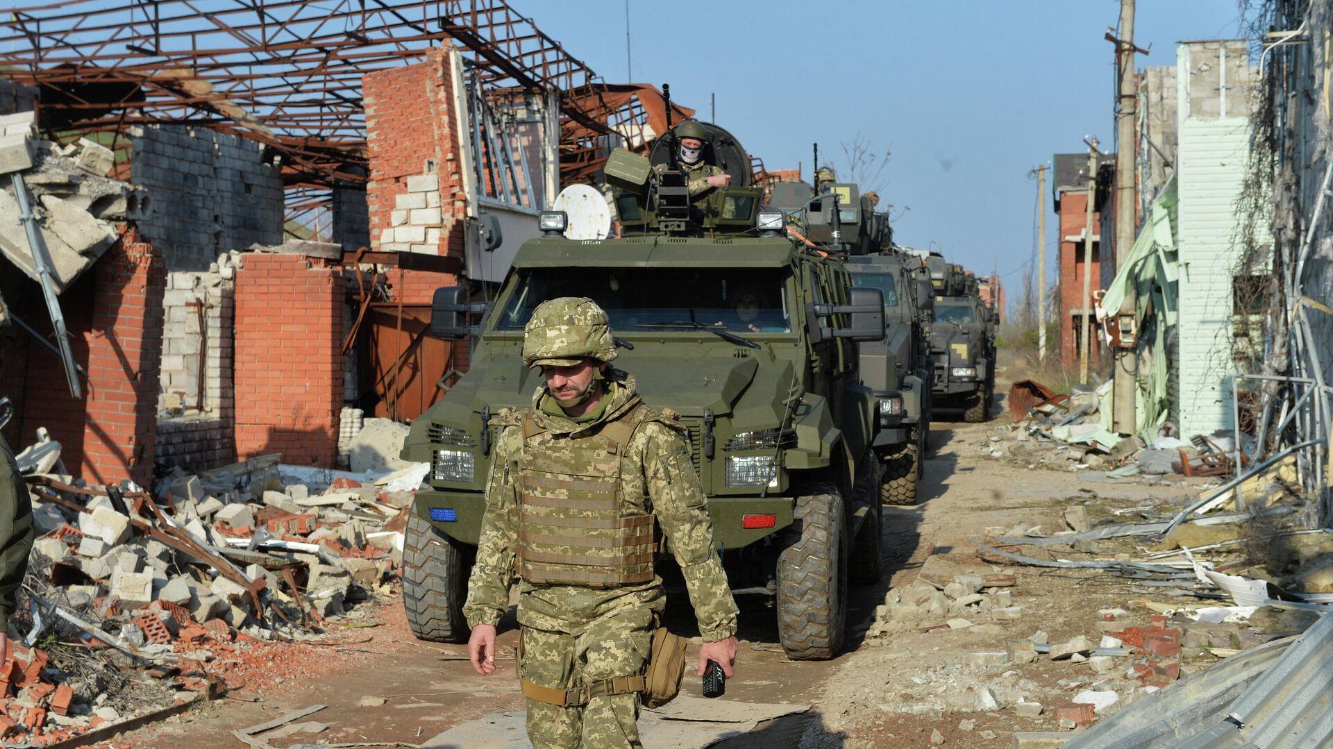 Украинские военные в районе линии соприкосновения в Донецкой области - РИА Новости, 1920, 31.05.2021