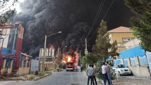 Пожар на химическом заводе в Иране. 2 мая 2021