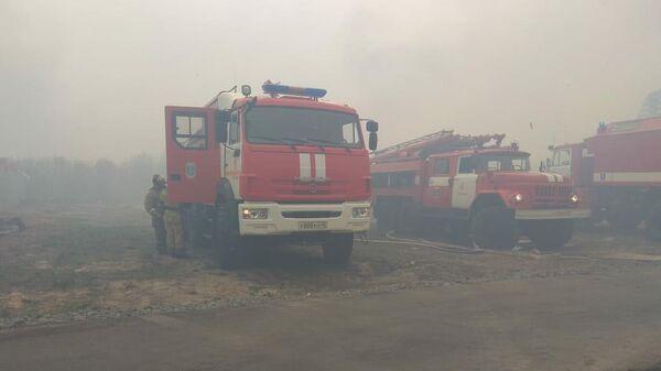 Возгорание неэксплуатируемых садовых построек в городе Кургане, СНТ КМЗ-4