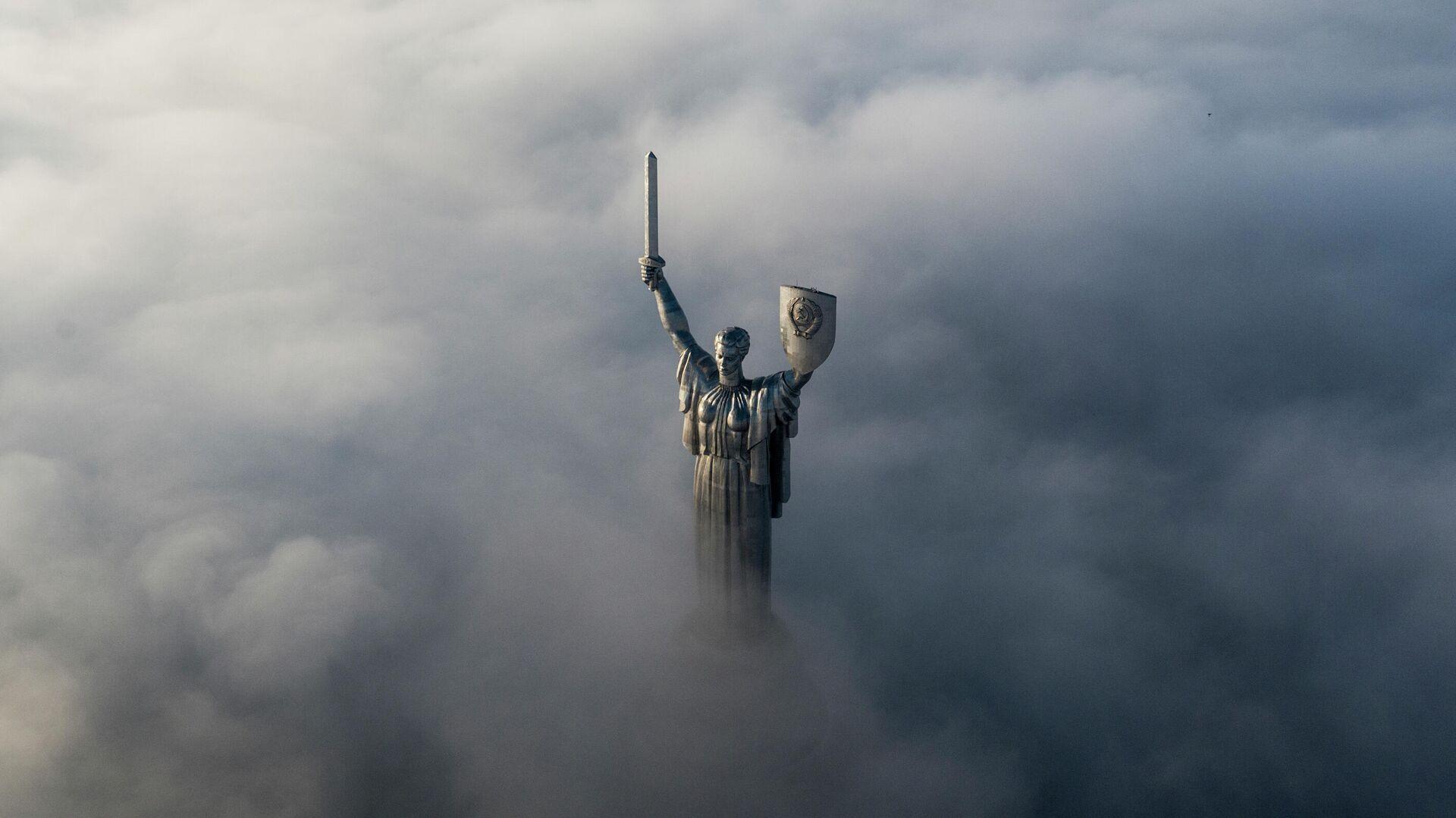 Монумент Родина-мать в Киеве - РИА Новости, 1920, 01.07.2021