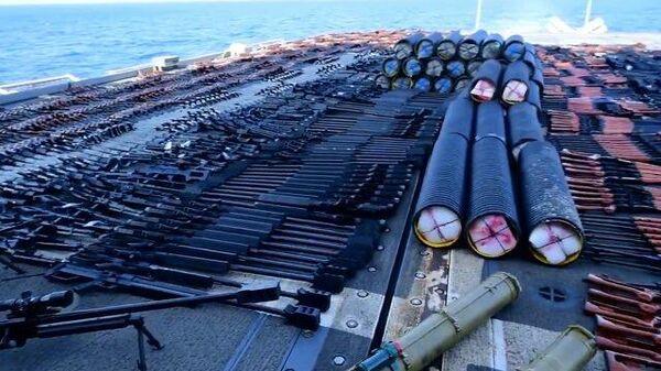Задержанное судно с оружием в Аравийском море
