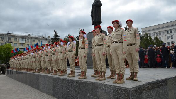 Парад в честь 76-й годовщины Победы в Великой Отечественной войне в Луганске