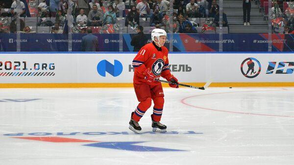 Президент России Владимир Путин в составе команды Легенды хоккея