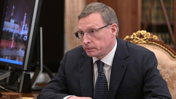 Губернатор Омской области Александр Бурков во время встречи с президентом РФ Владимиром Путиным