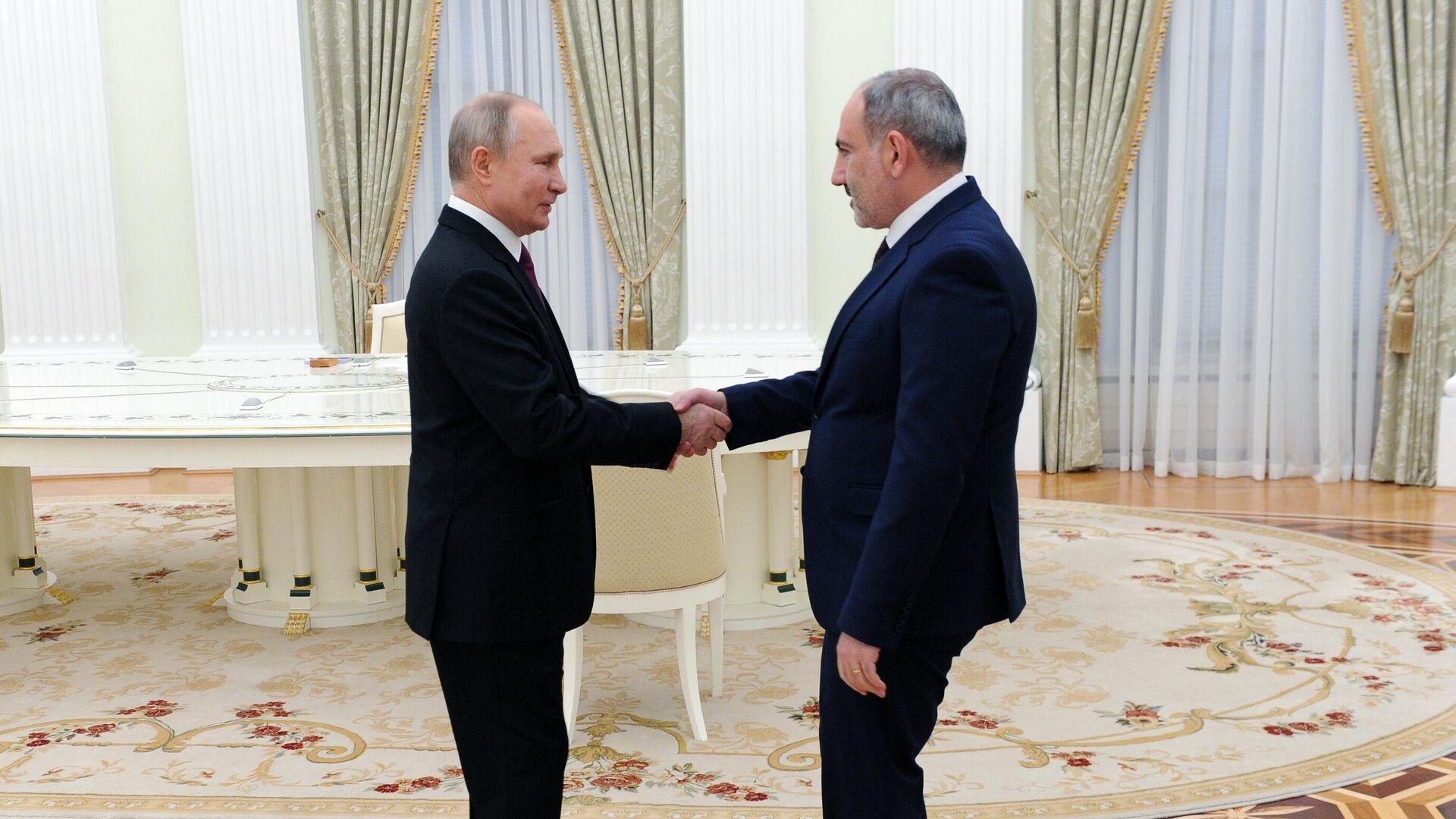 Президент РФ Владимир Путин и премьер-министр Армении Никол Пашинян - РИА Новости, 1920, 24.06.2021