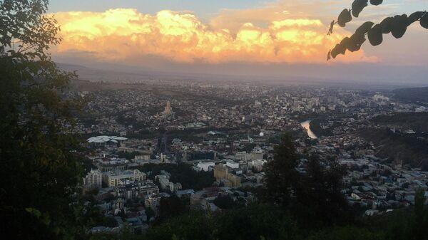 Вид на Тбилиси с горы Мтацминды