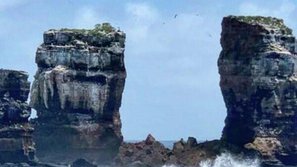 Арка Дарвина на Галапагосских островах после обрушения свода