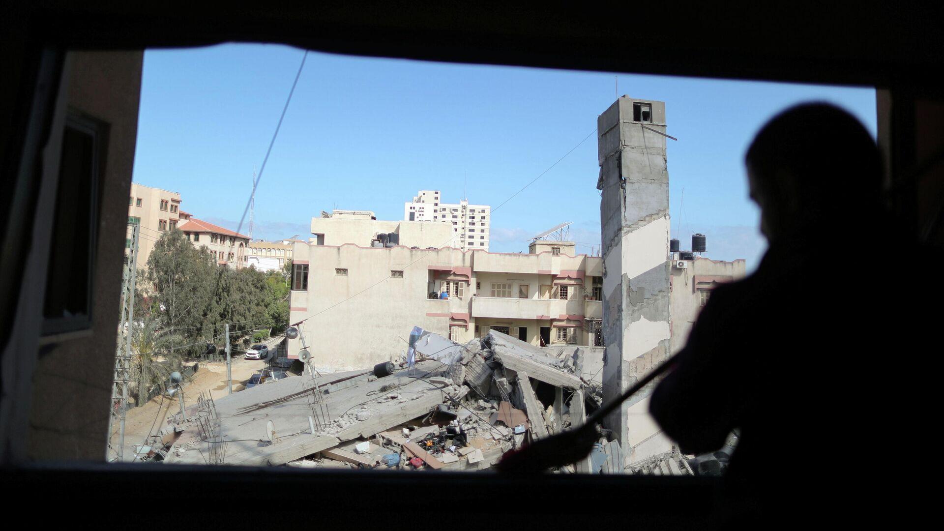 Здание в Газе, разрушенное в результате израильского авиаудара - РИА Новости, 1920, 18.05.2021
