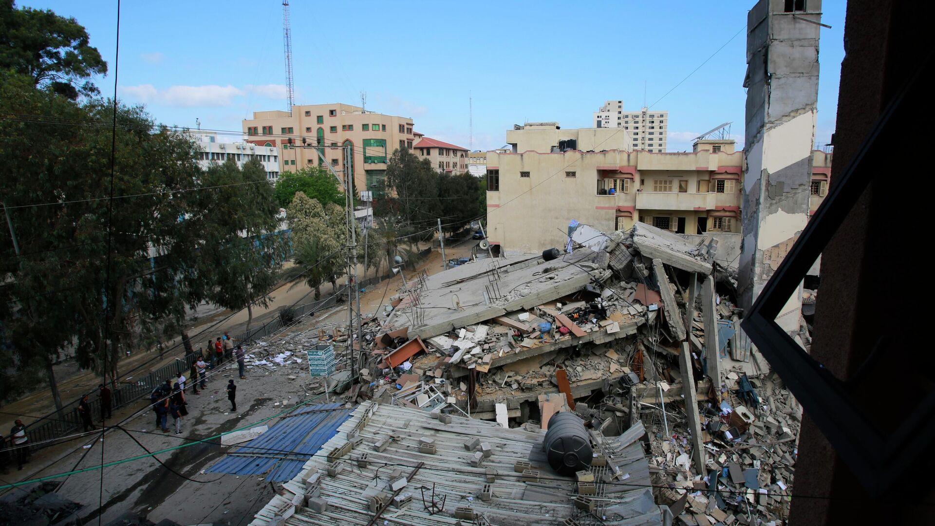 Разрушенные в результате бомбардировки здания в секторе Газа - РИА Новости, 1920, 19.05.2021