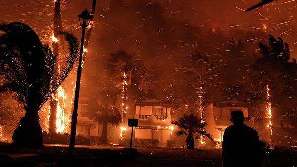 Пожар в деревне Схинос, Греция