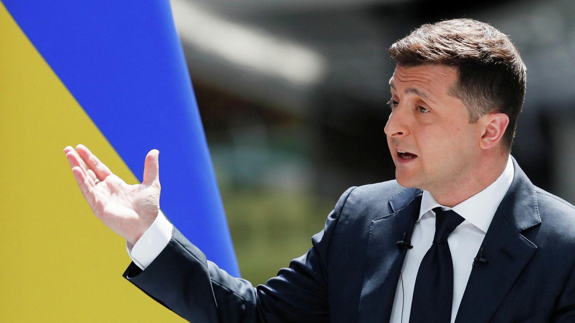 Президент Украины Владимир Зеленский во время пресс-конференции по итогам второго года своей работы на авиазаводе Антонов - РИА Новости, 1920, 20.05.2021