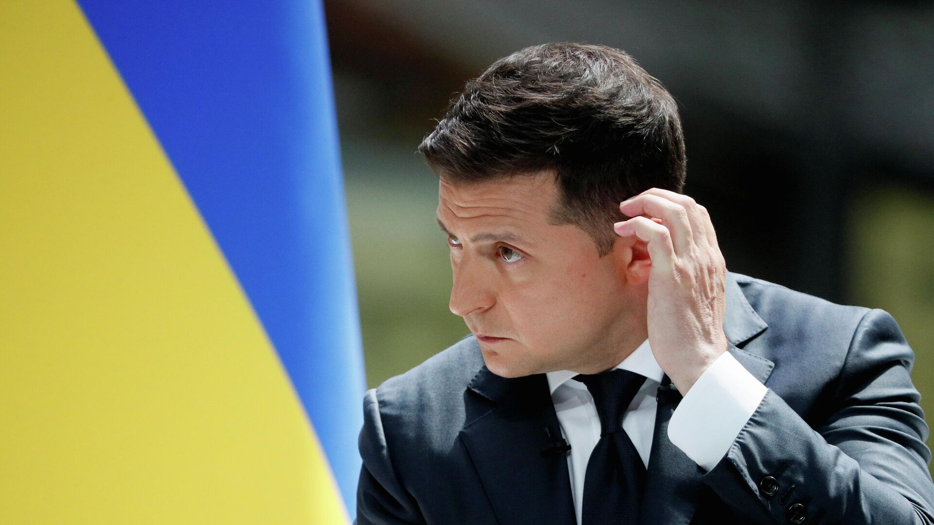 Президент Украины Владимир Зеленский во время пресс-конференции по итогам второго года своей работы на авиазаводе Антонов - РИА Новости, 1920, 11.06.2021