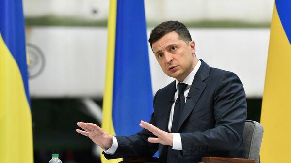 Зеленский заявил, что пока у СНБО нет планов ввести санкции против медиа