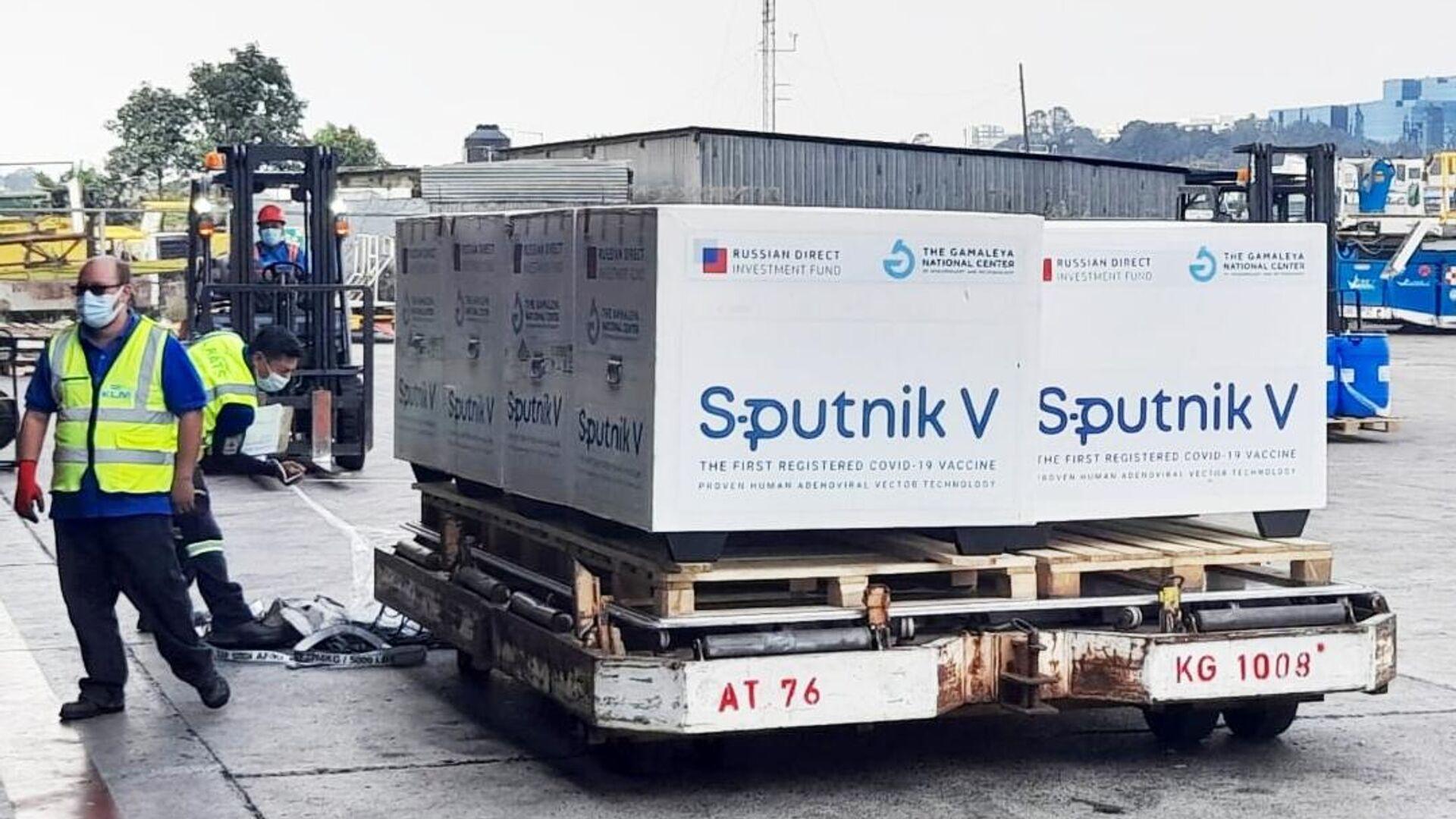 Груз российской вакцины Sputnik V от коронавирусной инфекции COVID-19 прибыл самолетом в Гватемалу - РИА Новости, 1920, 30.06.2021