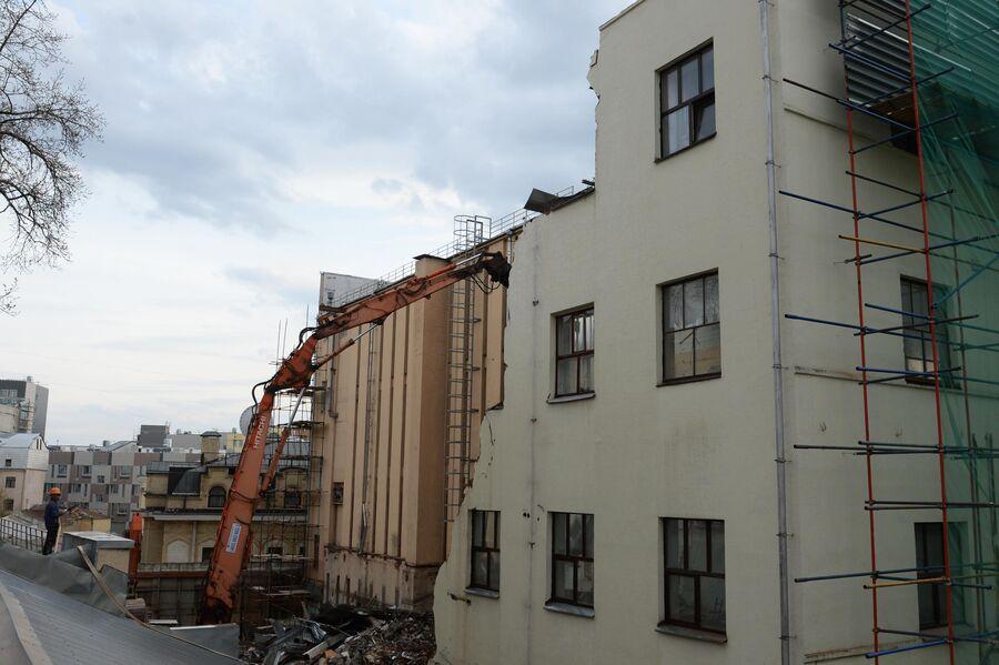 Снос здания Таганской телефонной станции на Покровском бульваре в Москве
