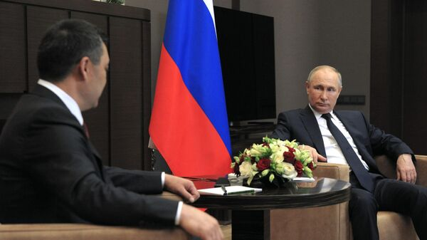 Президент РФ Владимир Путин и президент Киргизии Садыр Жапаров во время встречи