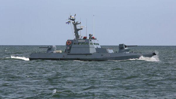 Малый бронекатер ВМС Украины Аккерман во время учений в Азовском море