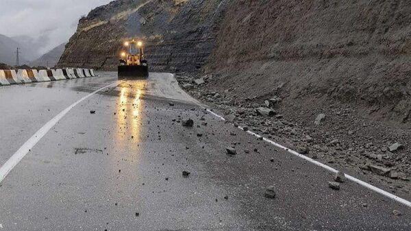 Размыв автомобильной дороги республиканского значения Буйнакск-Гимры-Чирката в Дагестане
