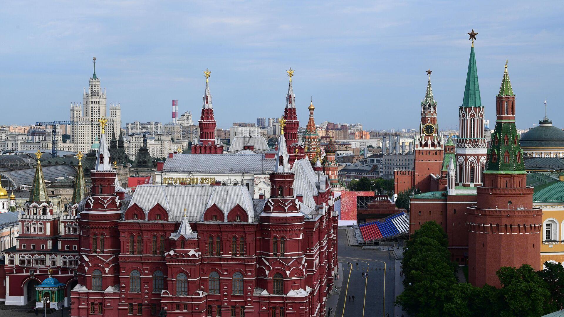 Вид на Исторический музей и Кремль в Москве - РИА Новости, 1920, 02.06.2021