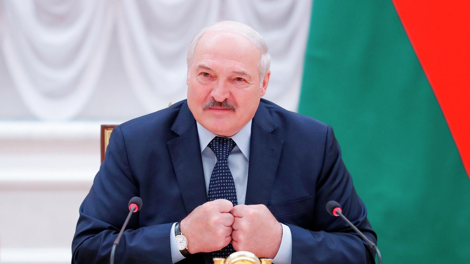 Президент Белоруссии Александр Лукашенко принимает участие в заседании Совета глав правительств СНГ - РИА Новости, 1920, 02.07.2021
