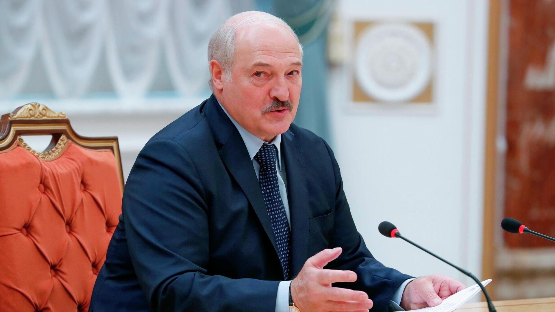 Президент Белоруссии Александр Лукашенко принимает участие в заседании Совета глав правительств СНГ - РИА Новости, 1920, 21.06.2021