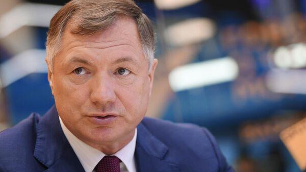 Заместитель председателя правительства РФ Марат Хуснуллин у стенда МИА Россия сегодня на Петербургском международном экономическом форуме - 2021