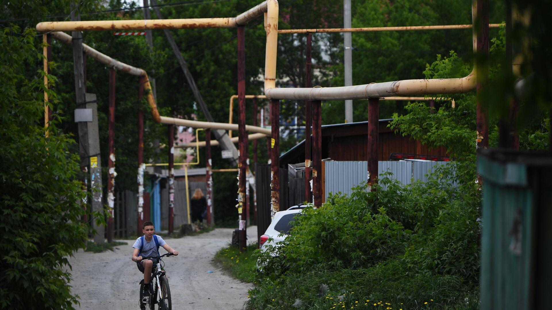 Газопровод в секторе малоэтажной жилой застройки на окраине Новосибирска - РИА Новости, 1920, 26.07.2021
