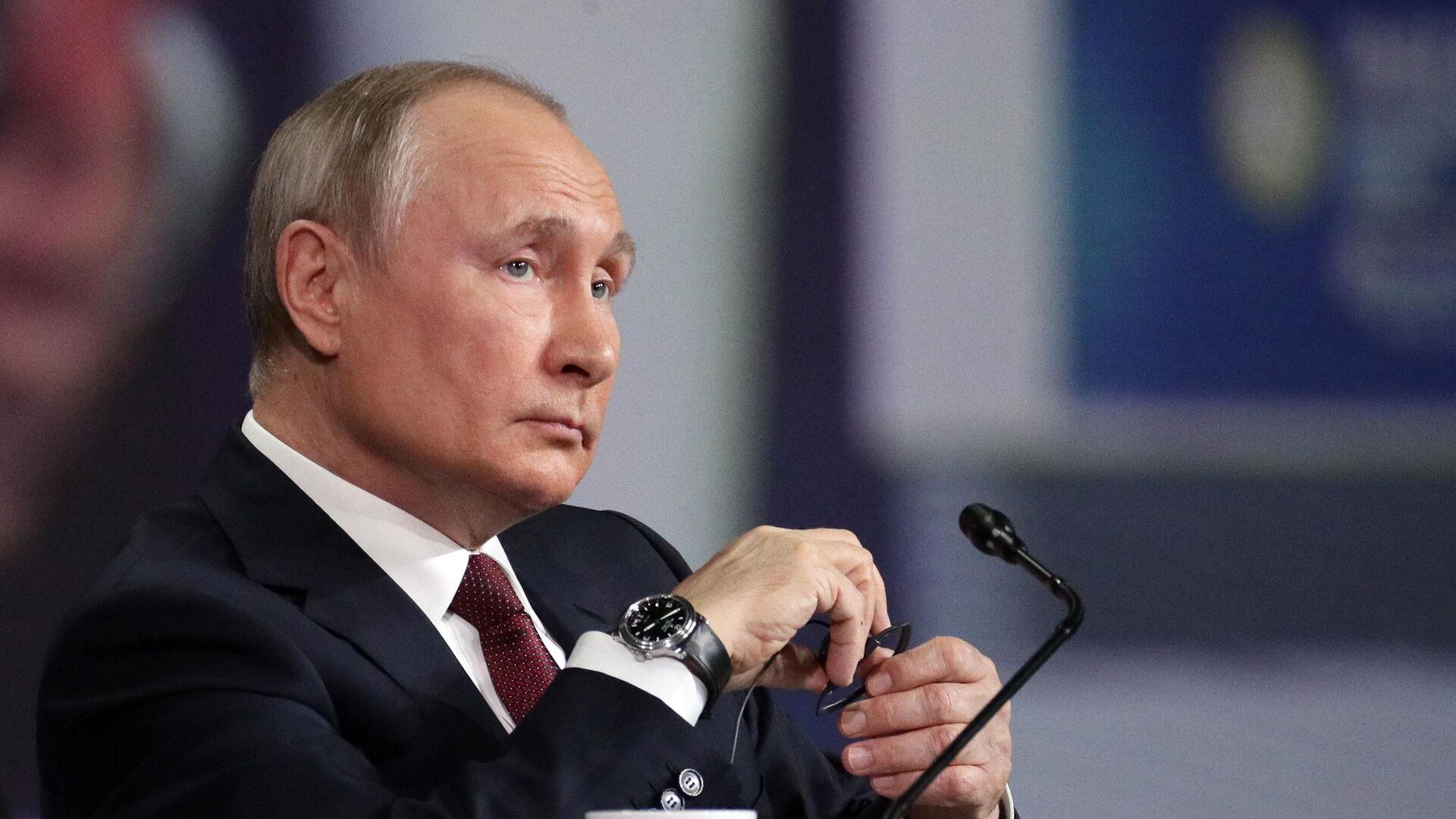 Президент РФ Владимир Путин на пленарном заседании в рамках Петербургского международного экономического форума - 2021 - РИА Новости, 1920, 07.06.2021