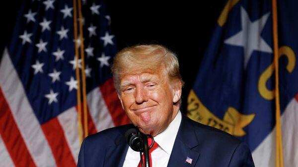 Дональд Трамп выступает на съезде республиканцев Северной Каролины