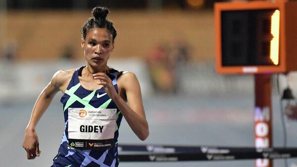 Эфиопская бегунья Летесенбет Гидей