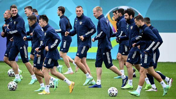 Игроки сборной России по футболу на тренировке сборной России в преддверии турнира Чемпионата Европы
