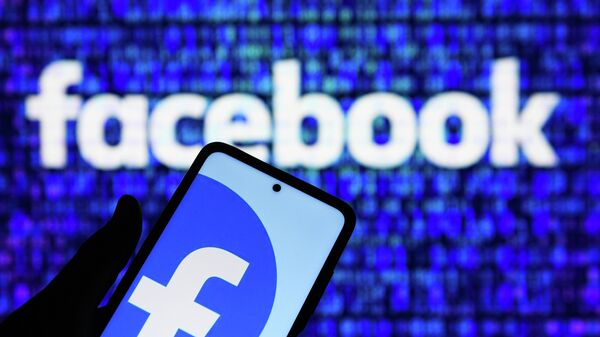 """Основатель Twitter """"заинтересовался"""" покупкой домена Facebook"""