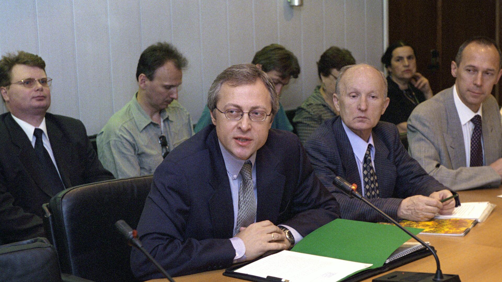 Путин продлил срок гражданской службы замсекретаря Совбеза Гребенкину