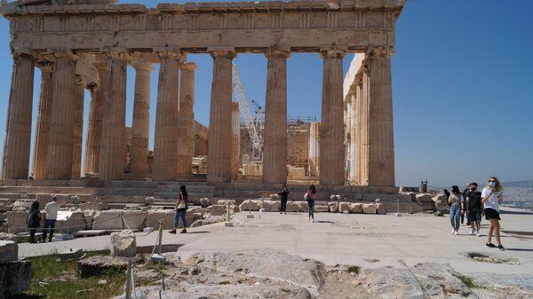 Пешеходные дорожки в Афинском Акрополе после ремонта